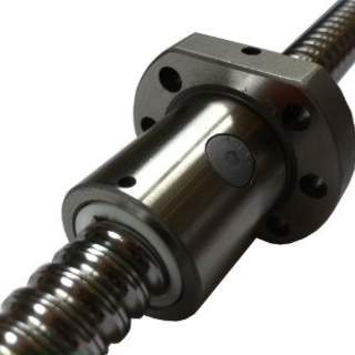 SFU1204 561mm med Kulmutter och ändbearbetning 8mm